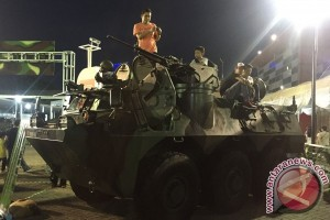 Zona militer IIMS masih sedot pengunjung hingga malam