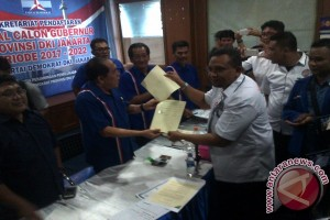Yusril ambil formulir pendaftaran cagub DKI hari ini