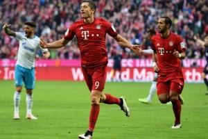Lewandowski bawa Munchen kalahkan Schalke 3-0