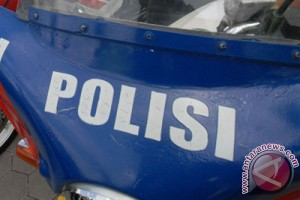 Polisi amankan serpihan pesawat di perairan Garut