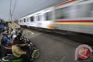 Daop 3 Cirebon kerahkan 144 penjaga perlintasan