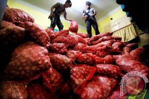 TNI AL gagalkan penyelundupan 28 ton bawang asal Malaysia