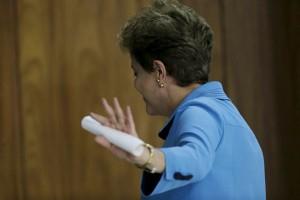Pendukung Presiden Brasil turun ke jalan protes pemakzulan