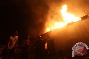 Nenek 100 tahun tewas setelah rumahnya kebakaran