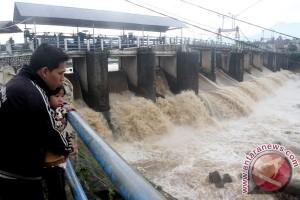 Jakarta waspada banjir, Bendung Katulampa siaga tiga