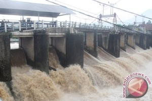Debit air Bendung Katulampa siaga tiga banjir