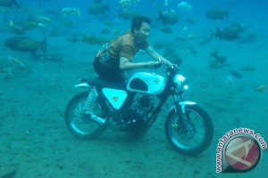 "Sensasi  ""selfie"" bawah air Umbul Ponggok"