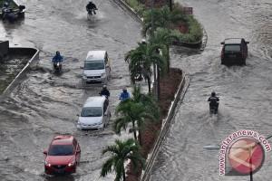 Penjelasan Ahok soal banjir di Pademangan kemarin