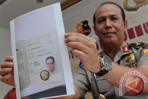 Polisi buru dua buron Century: Anton Tantular, Hendro Wiyanto