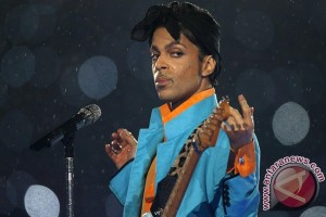 Jaket mendiang bintang pop Prince dilelang
