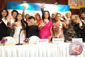 "Kampanye ""Give Back"" dari UNICEF bersama pesohor Indonesia"