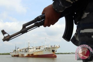 Penangkapan Kapal Buron Interpol