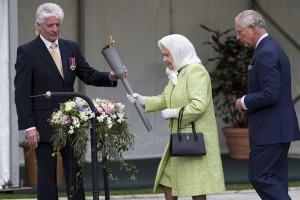 Ratu Elizabeth kembali beraktivitas pascaflu