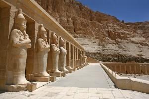 Pariwisata Mesir berusaha bangkit dari keterpurukan