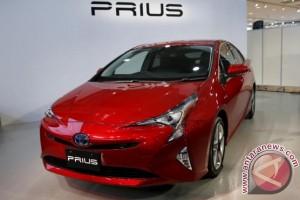 Toyota akan luncurkan mobil plug-in hybrid di China tahun 2018