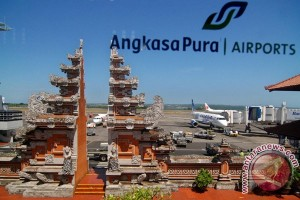Bandara Bali tutup sementara akibat landasan terkelupas