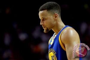 Playoff NBA - Stephen Curry absen paling tidak dua pekan