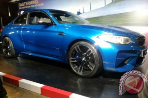 Ini alasan BMW tak jual M2 Coupe manual di Indonesia