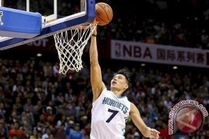 Playoff NBA - Pimpin 3-2, Hornets bungkam Heat 90-88