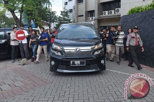 KPK Sita Mobil Bupati Subang