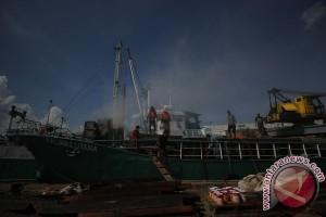 Kebakaran Kapal Di Kalimas