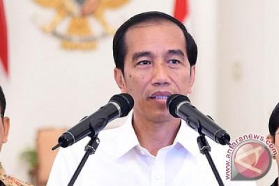 Presiden Jokowi tinjau pemberian makanan tambahan di Balikpapan