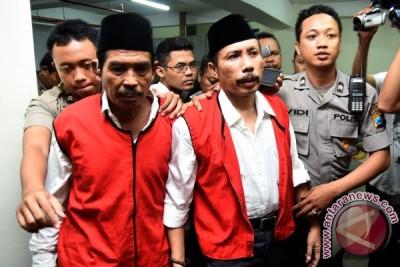 Tosan kecewa pembunuh Salim Kancil tak dituntut mati