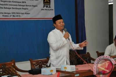 Hidayat Nur Wahid tegaskan tak ada tempat bagi komunis di Indonesia