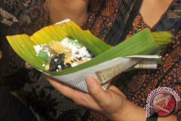 Pemudik borong tiwul makanan khas Gunung Kidul