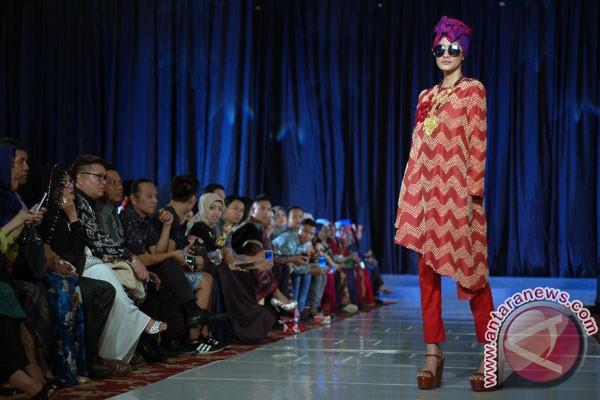 Okky Asokawati ingatkan desainer untuk ikut e-commerce