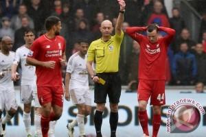 Liverpool kalah 1-3 dari Swansea