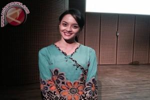 Monolog perdana, Ririn Ekawati modal nekat