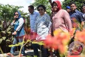 Megawati Kunjungi Taman Eks TPS