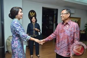 Menperin: Batik dan Tenun Jawa Barat Kian Inovatif