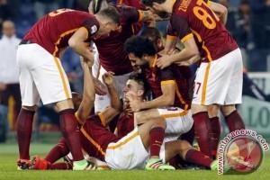Roma pecundangi Milan 3-1 di pekan penutup