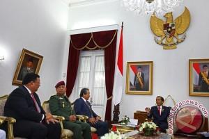 Kunjungan Kehormatan Trilateral