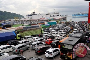 Operator Pelabuhan Merak sediakan 51 loket penumpang