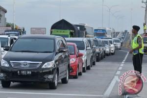 Arus lalu lintas Medan-Kabanjahe macet