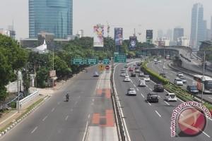Ruas tol dalam kota Jakarta hingga Bekasi ramai lancar