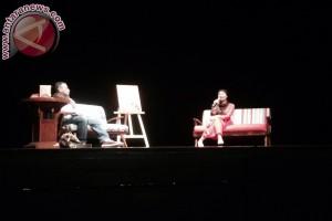 Okky Madasari bicara medsos di novel kelimanya
