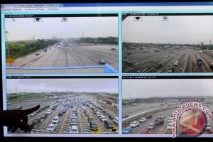 Kecelakaan di KM 61, tol Jakarta-Cikampek padat