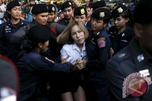 Polisi Thailand buru biksu dengan surat penahanan baru
