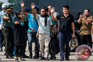 Empat ABK WNI korban sandera tiba di Jakarta