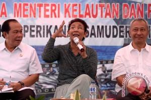 Dialog Menteri Susi dan Nelayan Bitung
