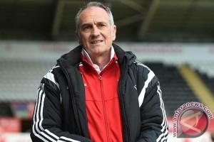 Francesco Guidolin kebat kebit takut dipecat Swansea