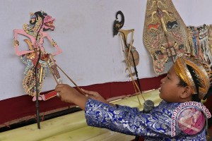 Wayang ingatkan Kartika Soekarno akan Indonesia