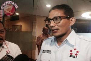 Siapkan diri diwawancara Demokrat, Sandiaga Uno baca buku Ali Sadikin