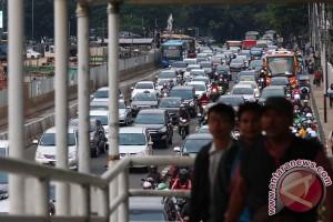 Pelebaran trotoar Jalan Sudirman mulai 2017