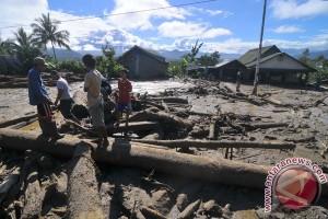 Empat orang meninggal akibat banjir bandang Subang