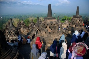 Indonesian govt sets gradual increases to attract 20 million tourists